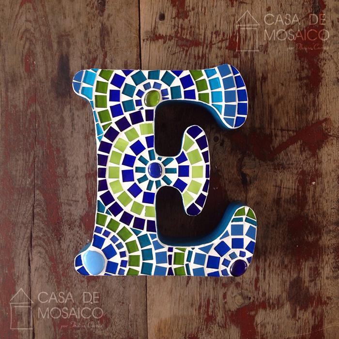 Letra de mosaico para decorar