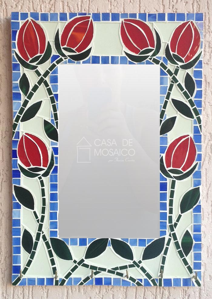 Porta-chaves com espelho e mosaico de tulipas