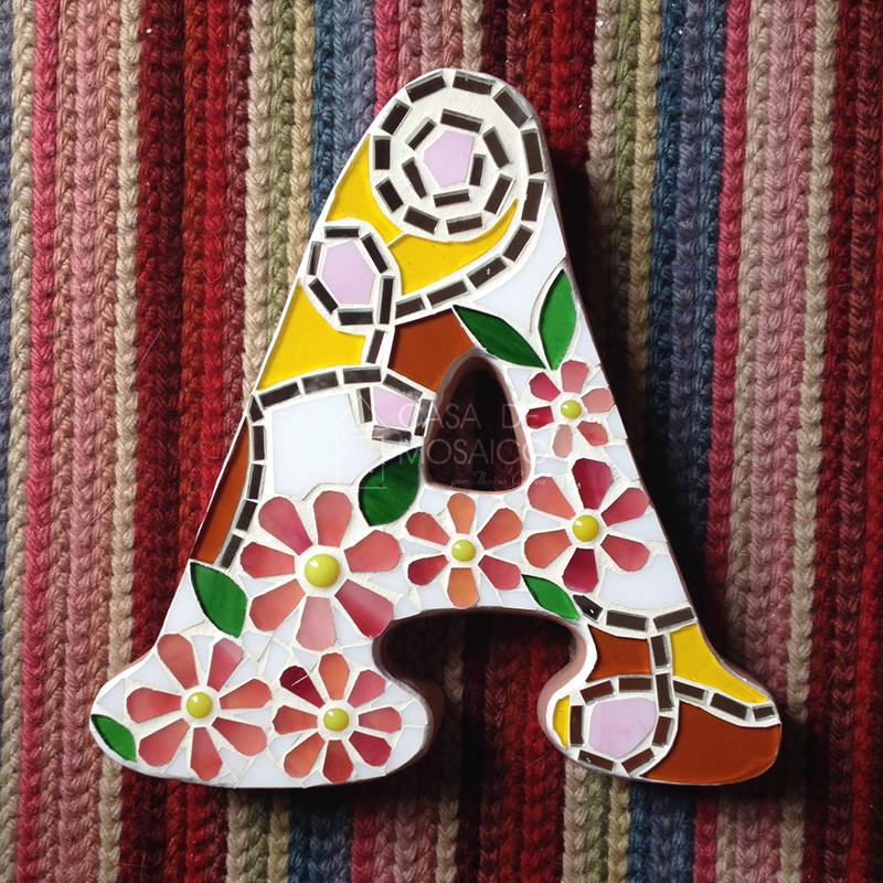 Letra A de mosaico para decoração