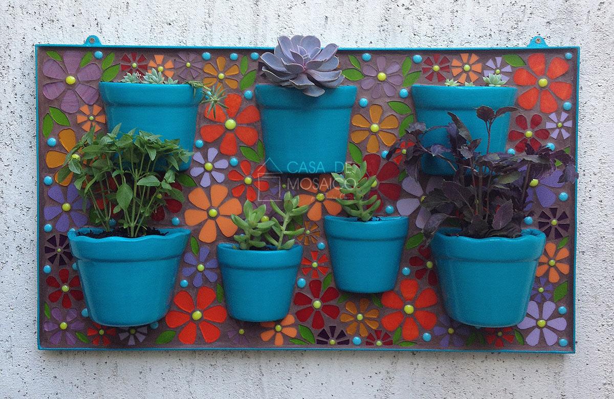 Jardineira de mosaico para flores e horta