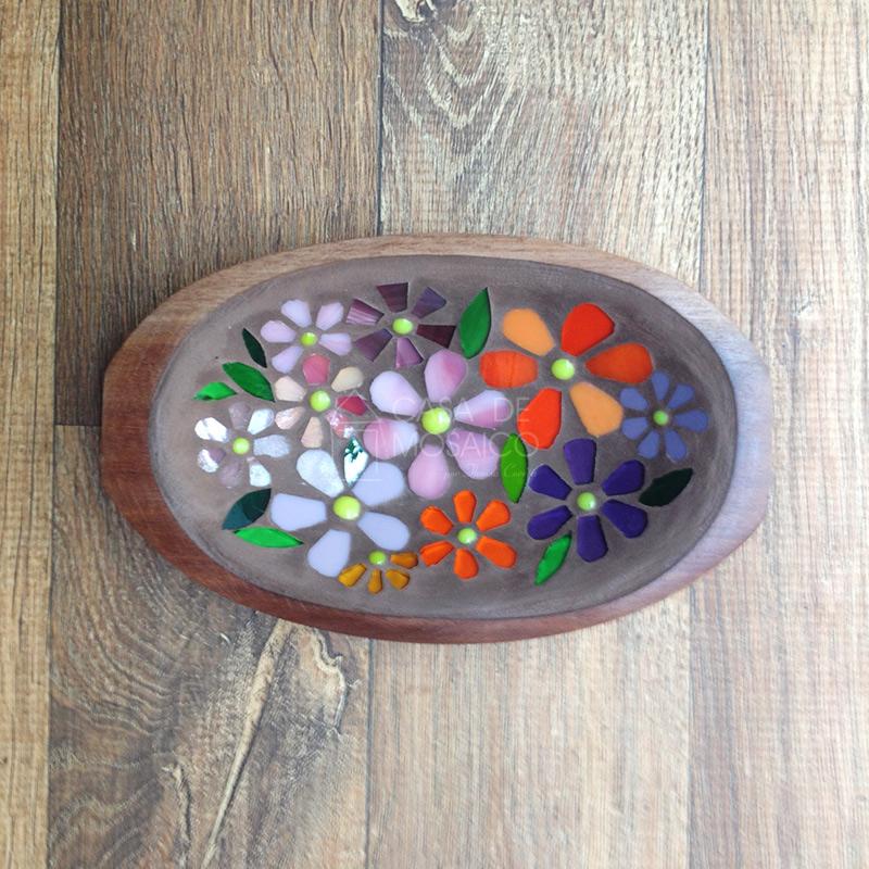 Gamela pequena com mosaico de flores