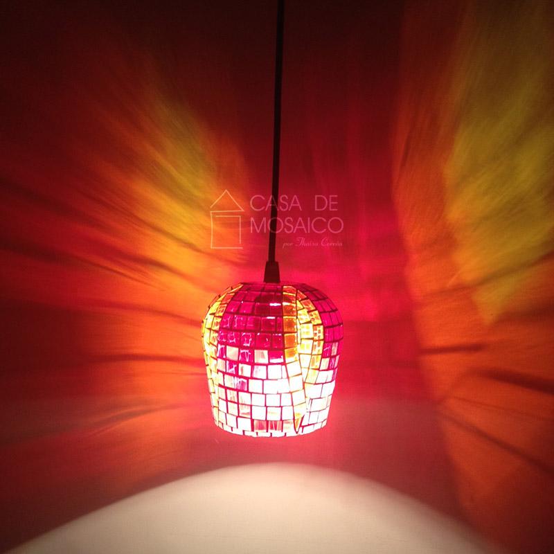 Pendente da Luz Eterna em mosaico de vidro